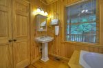 A Whitewater Retreat - Entry Level Bathroom